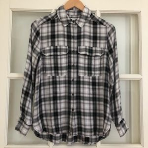 Vince Camuto viscose soft plaid button up blouse